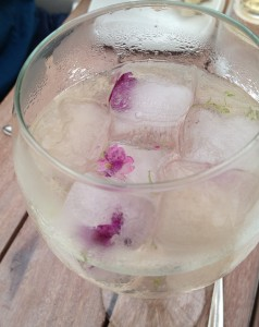 Flowers in my ice cubes at Astrid y Gaston