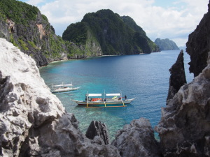 Island hopping: limestone all around